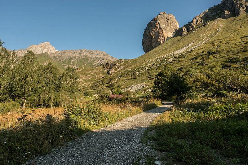 In partenza con veduta della Rocca Senghi
