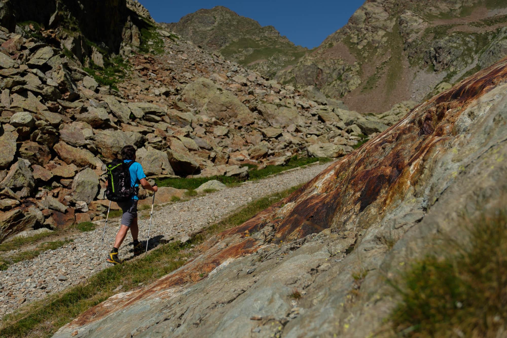 Escursione al lago inferiore di valscura 2274 m valle for Affitti della cabina del lago del michigan