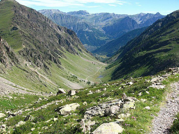 Vista dalle Rocce Mongioie verso il Vallone sottano del Piz