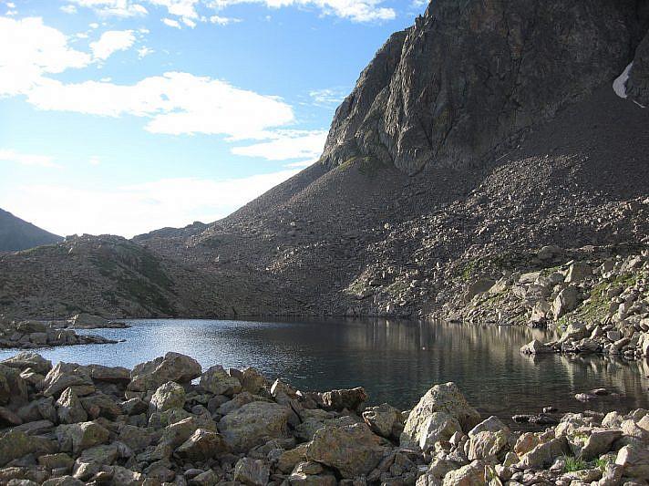Il lago Mongioie (2480 m)