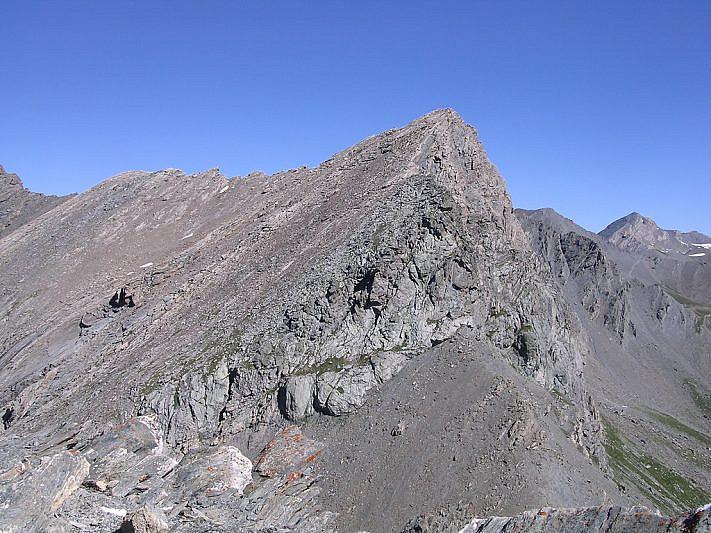 Dalla punta, vista sul Pelvo di Ciabrera (3152 m)