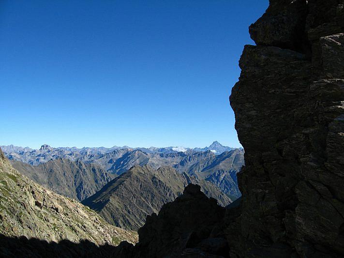 Dal Passo di Laris sguardo verso la Bassa di Schiantalà
