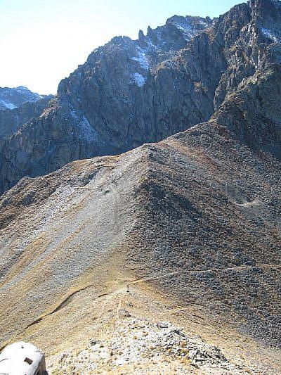 Dall'alto verso il colle di Stau (2500 m)
