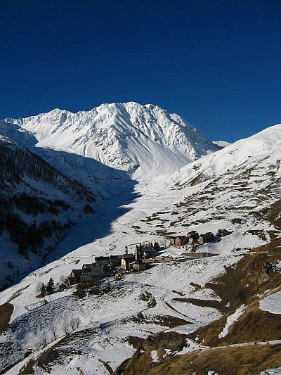 Ferrere ai piedi del Monte Pe Brun (2797 m)