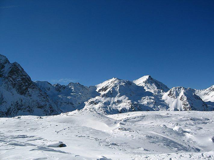 Panorama verso ovest dai laghi della Paur (2357 m)