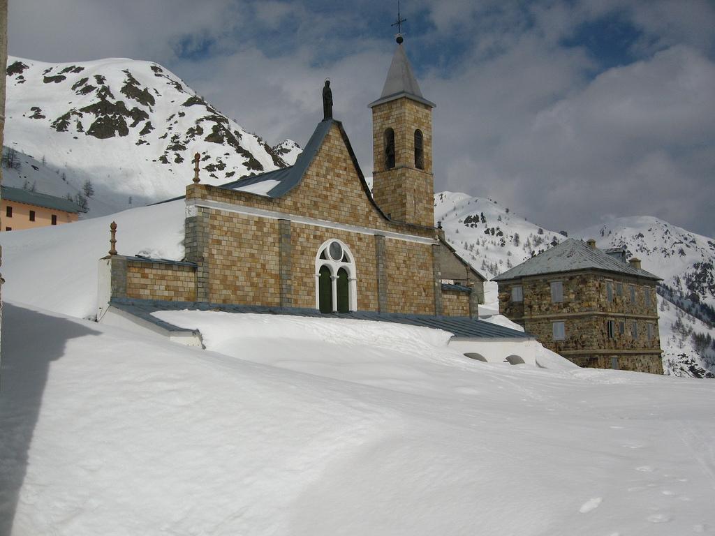 Con racchette da neve a Sant'Anna di Vinadio