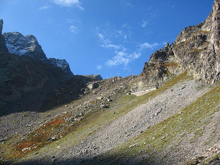 In vista del Rifugio della Lausa (2404 m)