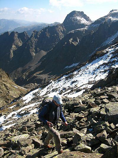 Verso cima Borgonio; sullo sfondo il Becco alto del Piz
