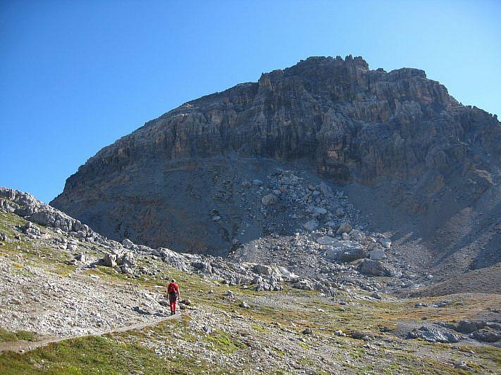 Veduta del Monte Scaletta poco prima di raggiungere il colle