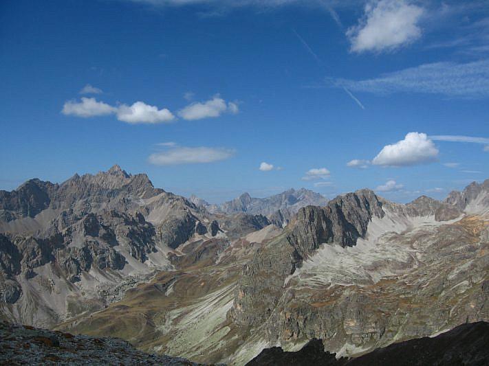 Dal Passo del Lausèt verso le cime dell'Alta Valle Maira