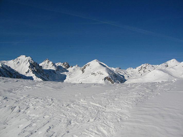 Panorama verso il vallone del Serour conil Monte Omo al centro della foto