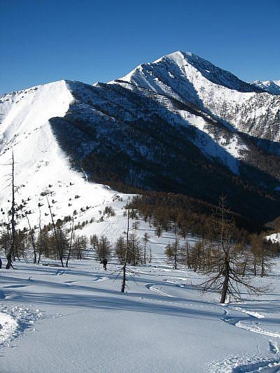 Alle nostre spalle il Monte Rastcias (2404 m)