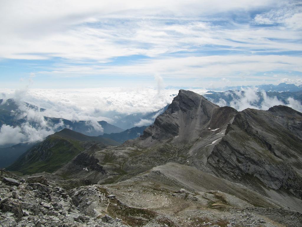 Da San Michele di Prazzo al Monte Chersogno