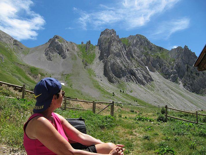 Pausa pranzo presso il rifugio Don Franco Martini nella parte opposta al vallone del Serour