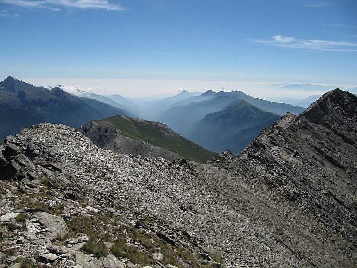 Monte Ferra all'estrema destra