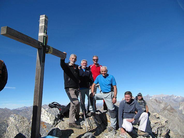 Foto di gruppo sulla Cima Oserot (2861 m)
