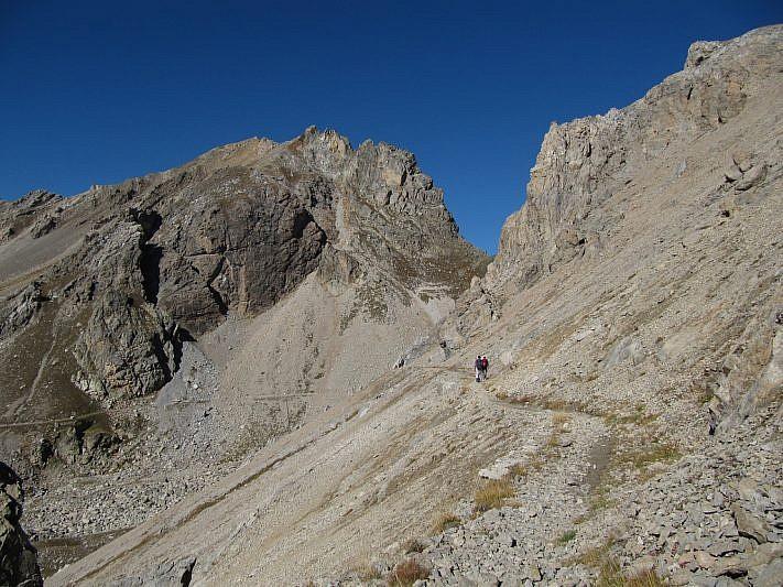 A sinistra la Cima Oserot, al centro il Colle Oserot