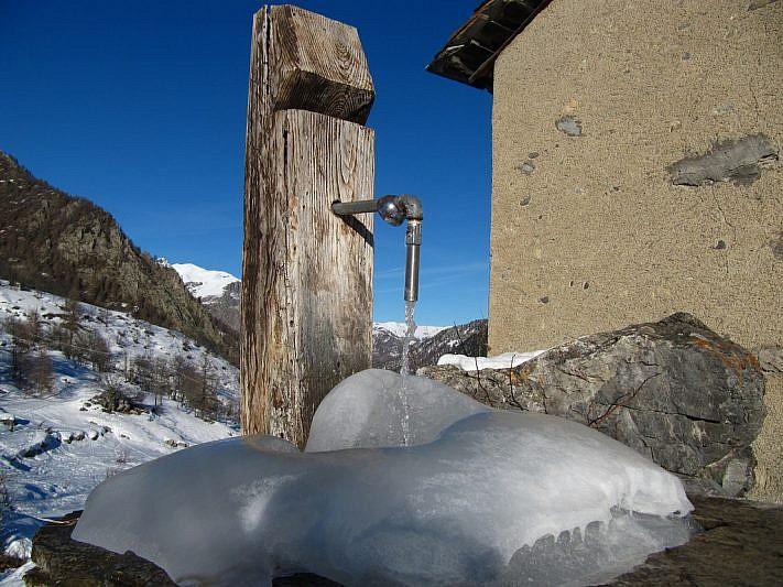 La fontana all'uscita di Viviere