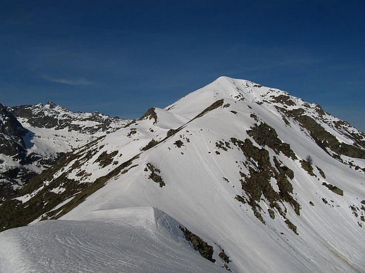 Salendo oltre il Colle di Marchiana, vista sul Ventabren