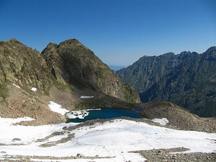 Salendo verso il Bivacco Moncalieri, veduta sul Lago Bianco