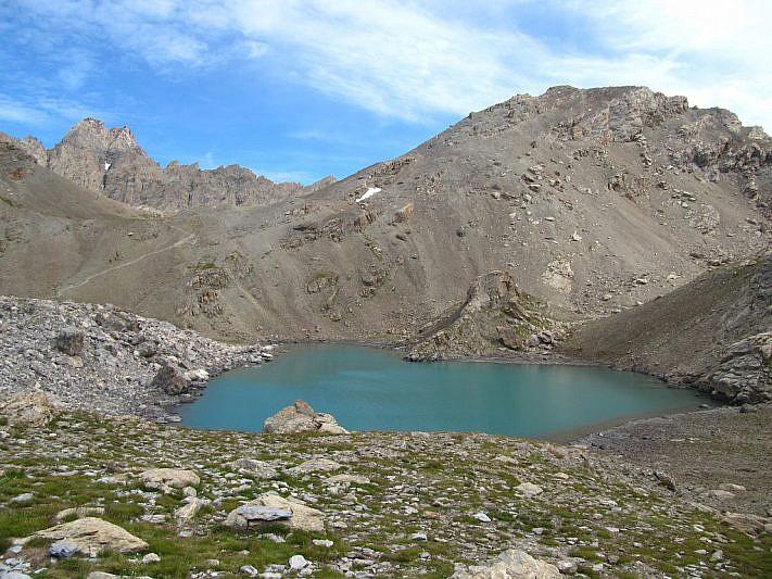 Il lago del Vallonasso di Stroppia e la Tête de la Frema a destra