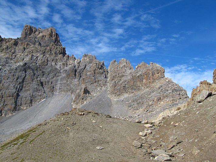 L'imponente mole del Brec de Chambeyron (3389 m)