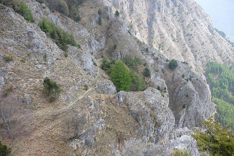 Nel tratto roccioso