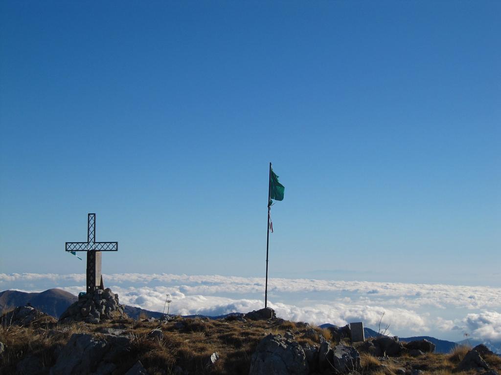 Anello del Sentiero degli Alpini e Monte Toraggio