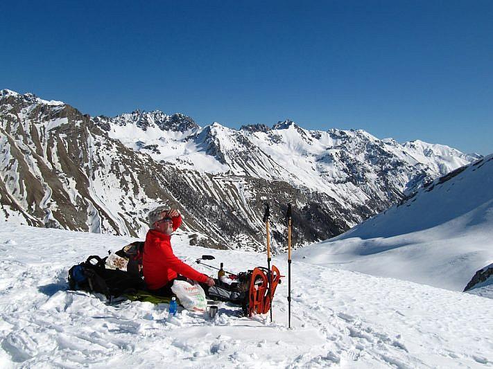 Osserviamo gli sci-alpinisti francesi impegnati sulla rampa
