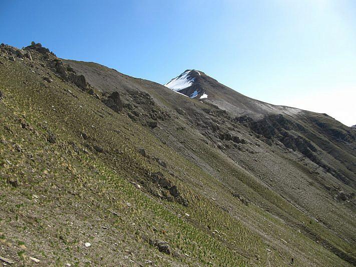 Durante la salita al Colle Moura delle Vinche, veduta sul Monte Savi