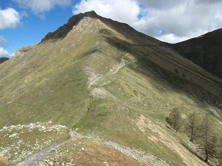 Dal bunker, veduta sulla Baisse e sul Col de Raus (in ombra a destra)