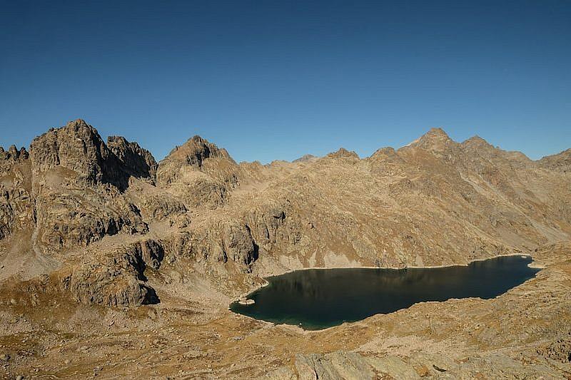 Lac du Basto visto dalla baisse de Fontanalba