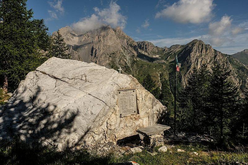La lapide degli Alpini