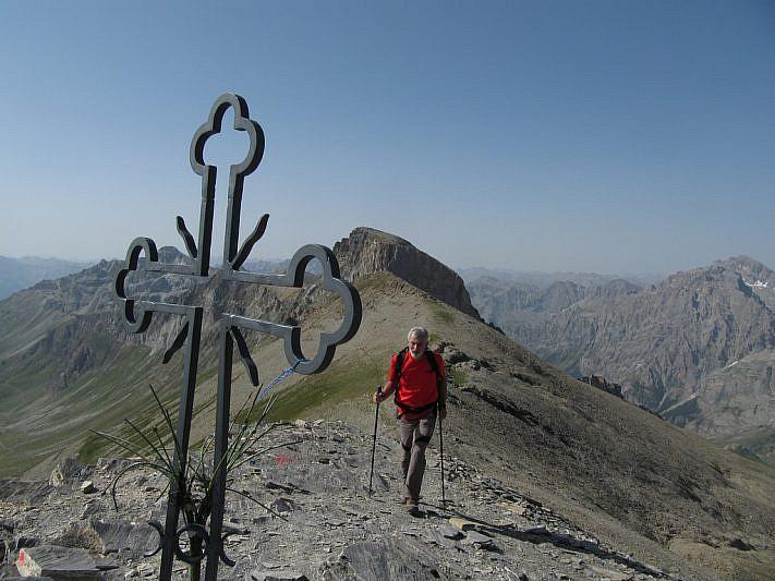 In cima. Dietro Riccardo si noti il Monte Albrage.