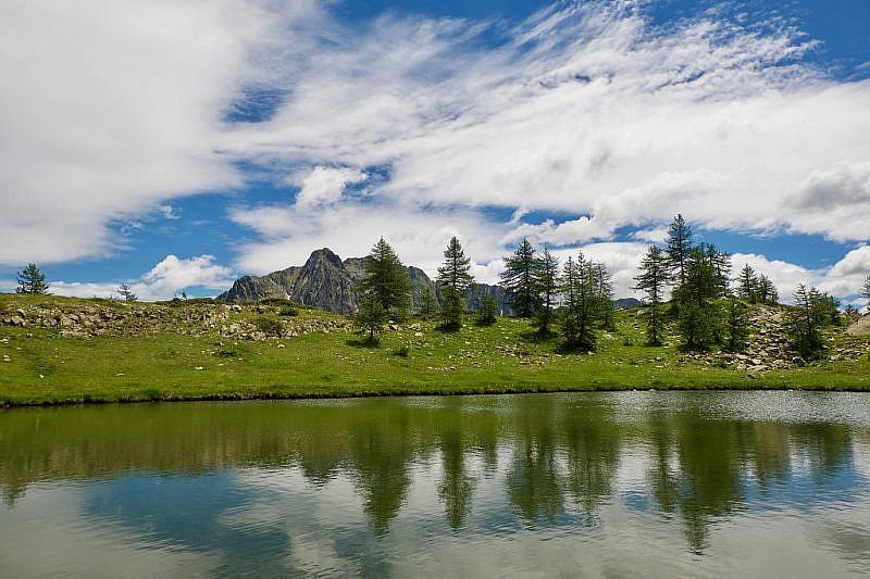 La Maladecia si specchia nei laghi gemelli