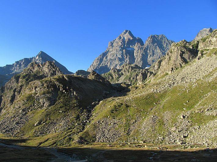 Dal sentiero iniziale, vista sul Monviso