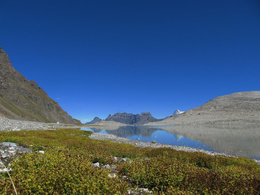 Rifugio Benevolo e lago Goletta