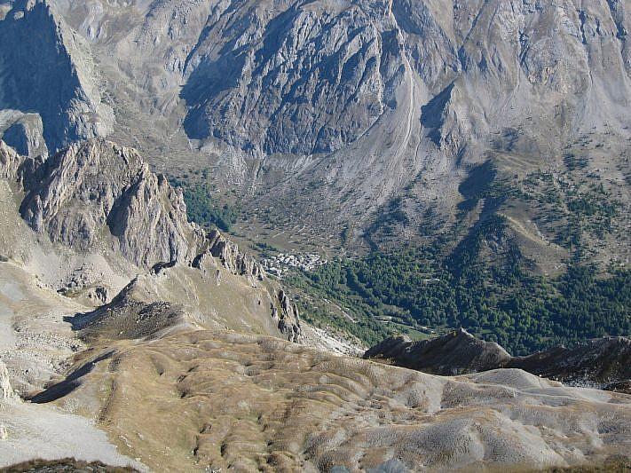 Si noti l'abitato di Chiappera, 1100 metri più in basso