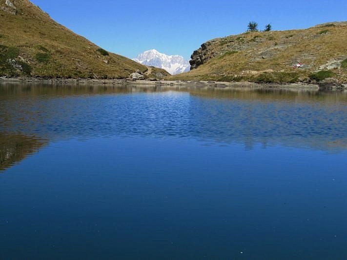 Sullo sfondo, il Monte Bianco