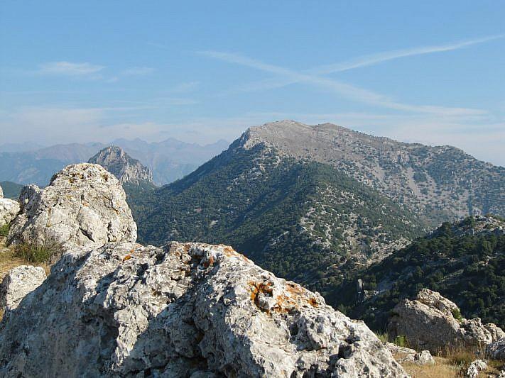 Al fondo, la cima del Grammondo