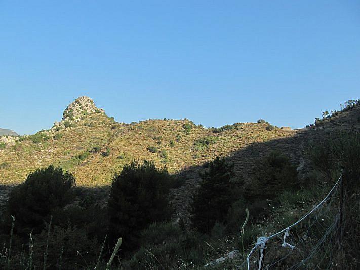 All'estrema destra della foto si intravede il Colle di St.-Bernard (769 m)