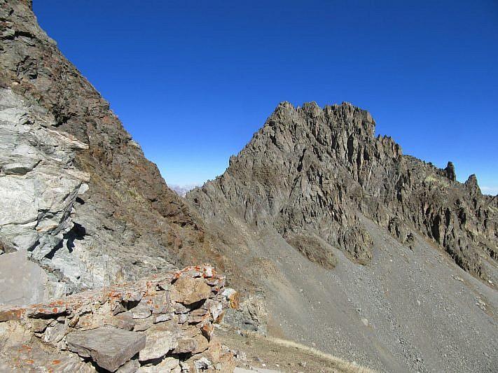 Il Monte Peiron visto dai pressi dell'arrivo della teleferica