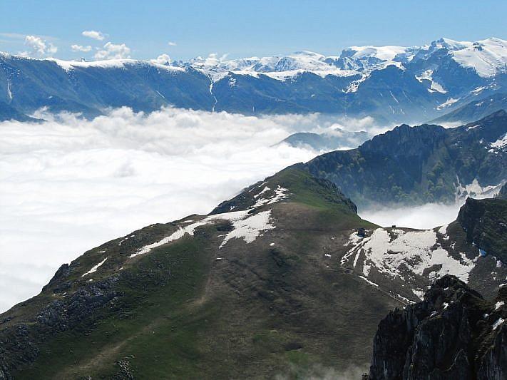 Dalla cima, panoramica sul Colle Balur