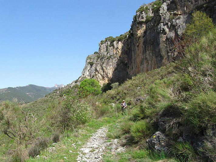 Sotto le pareti calcaree del Monte Chaberta