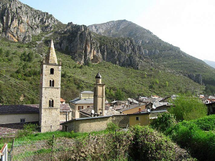 Vista sul campanile della Collegiata di San Martino