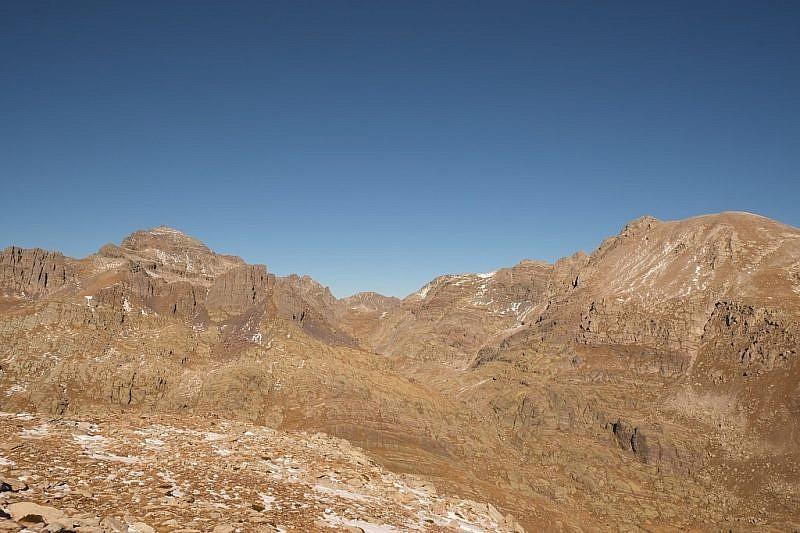 Grand Capelet (a sinistra) e Monte Bego (a destra)