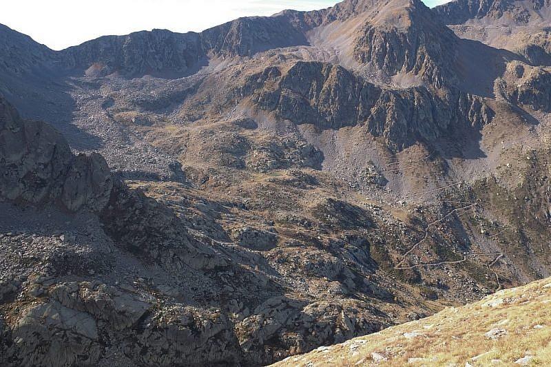 Dalle pendici della Rocca di S.Bernolfo, vista sul vallone di Barbacana