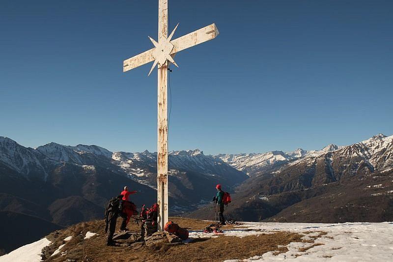 La grande croce in ferro…