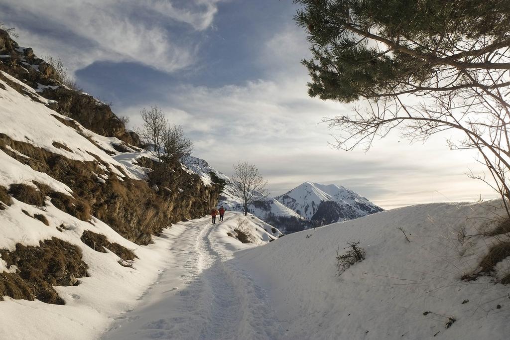 Con racchette da neve, anello di Pietraporzio/Moriglione/Castello
