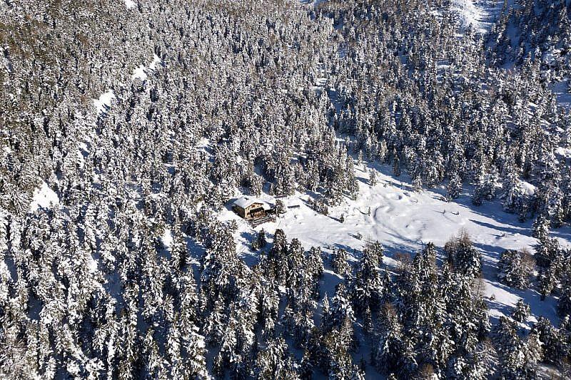 Il rifugio visto dal drone